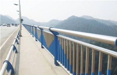 河南碳素钢不锈钢河道护栏防护栏五星质量