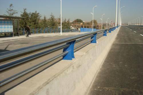 开封金属材料公司生产各种护栏立柱等系列产品专业生产