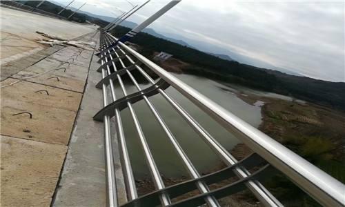 洛阳金属材料公司专业生产各种桥梁立柱?#26723;?#20449;赖