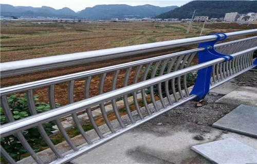 北海金属材料公司生产各种景观栏杆等系列产品来图定做