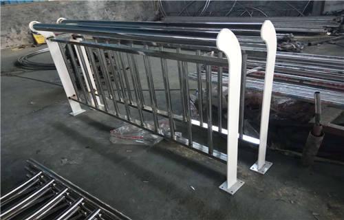 吉林不锈钢复合管景观护栏批发厂家  专业护栏厂家