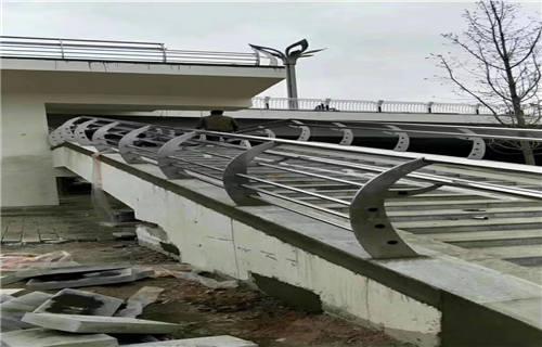 庆阳不锈钢复合管护栏厂家直销  专业护栏厂家