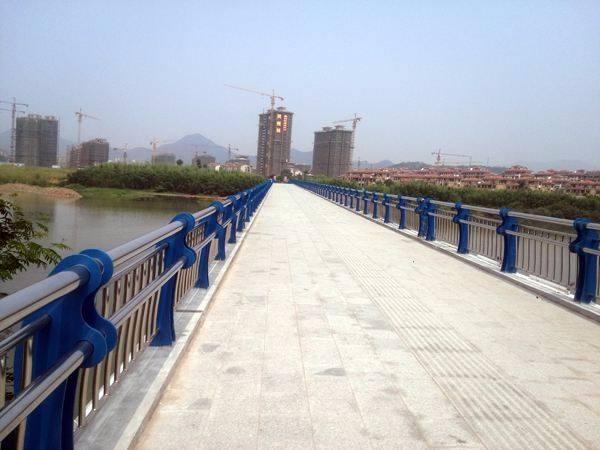 大同栏杆厂生产各种钢板立柱   系列产品