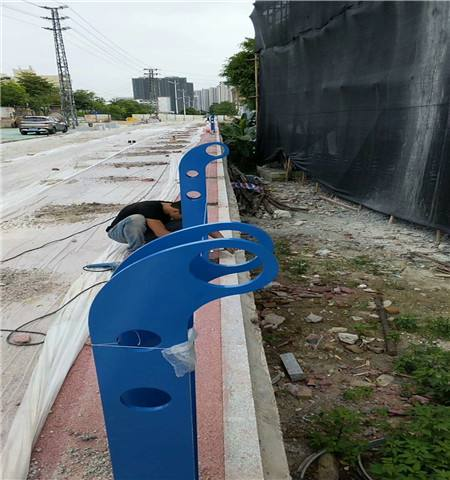 新余栏杆厂生产各种道路护栏   厂家