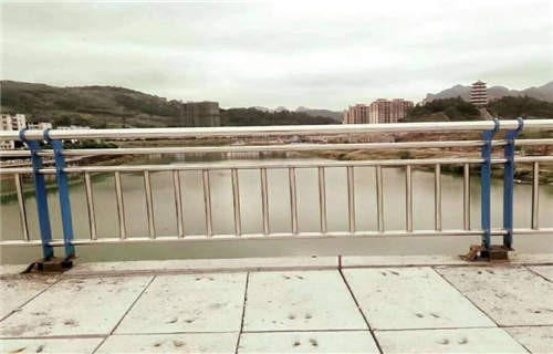 漯河双金属复合管护栏一米多少钱