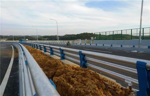 聊城不锈钢桥梁景观护栏价格表