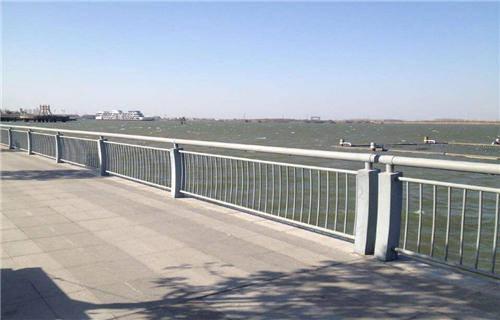 黑龙江不锈钢桥梁景观护栏产品价格