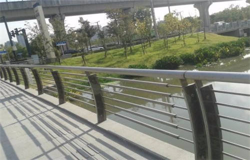咸宁桥梁防撞钢板立柱扶手型号
