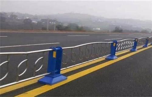 镇江不锈钢栏杆一米多少钱