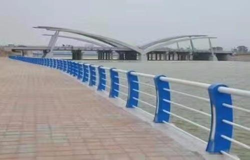淮南复合不锈钢管护栏产品咨询