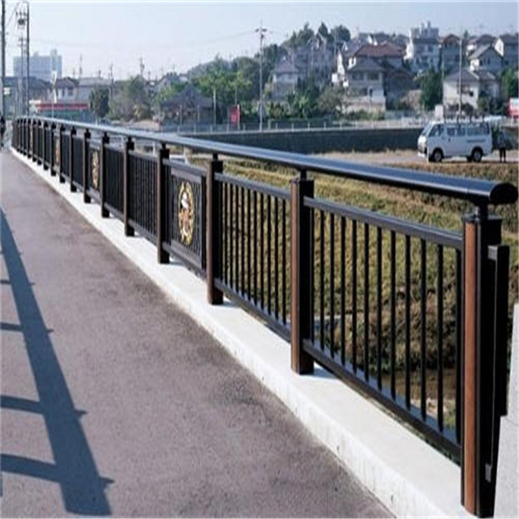 武威不锈钢碳素复合护栏专业生产