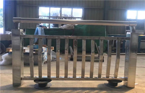 衡水不锈钢碳素钢复合管桥梁栏杆设计安装为一体