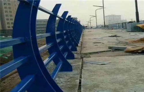保山不锈钢碳素钢复合管桥梁钢板立柱厂家供应