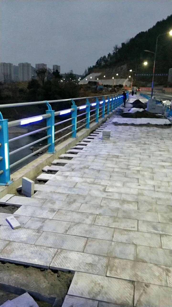 海南不銹鋼橋梁景觀護欄價格范圍