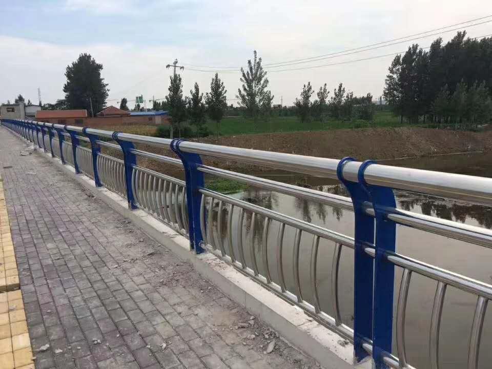 金昌橋梁欄桿復合管防撞護欄標準規格