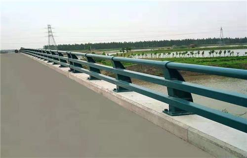乌鲁木齐桥梁防撞护栏立柱质优价廉