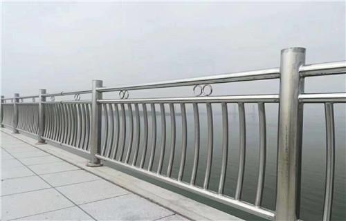湛江防腐立柱喷塑加工切割量大从优