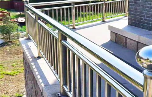 银川不锈钢河道景观护栏品质齐全