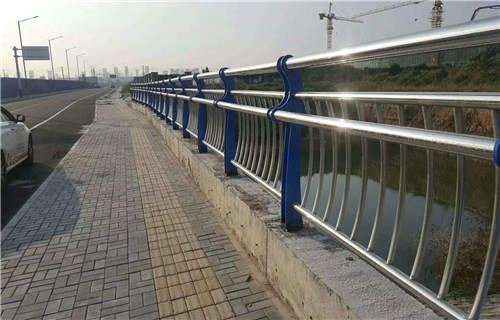 玉樹橋梁護欄壁厚標準