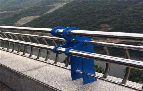 海南碳素鋼防撞護欄產品報價