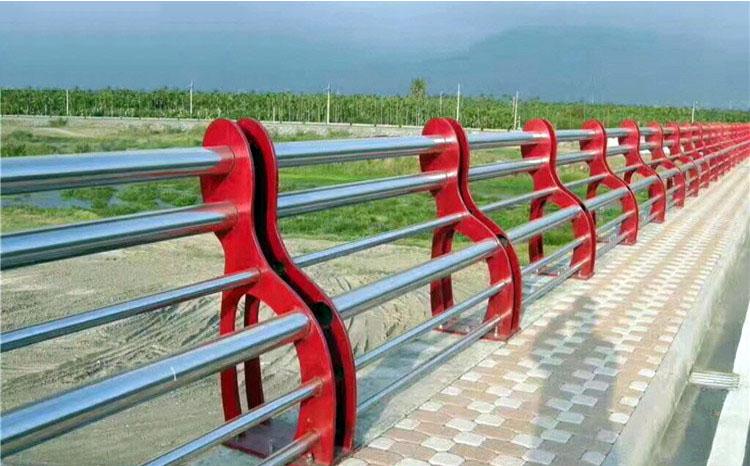 新疆不锈钢复合管护栏价格范围
