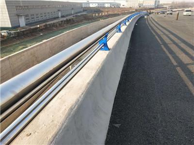 北京不锈钢天桥复合管防撞护栏有何特点