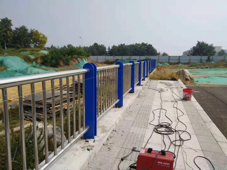 湖南衡阳不锈钢桥梁复合管生产销售