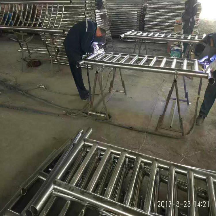 四川南充不锈钢碳素钢复合管供应厂家