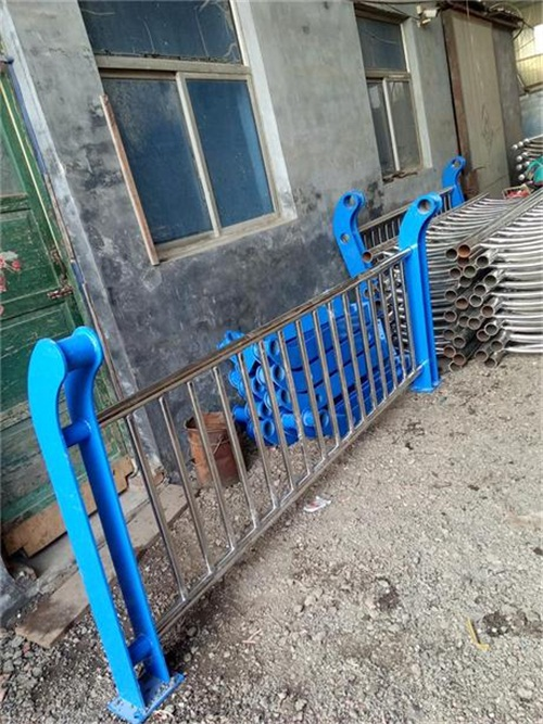 濮阳桥梁护栏立柱板今日报价