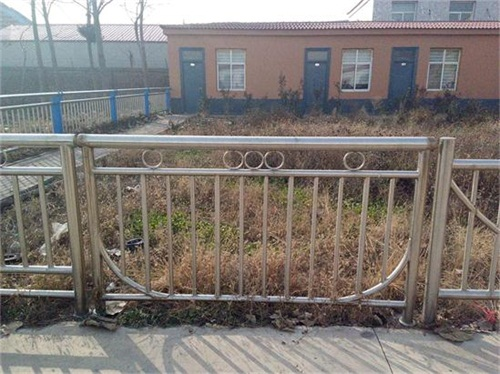 克拉玛依不锈钢复合管护栏厂家直供