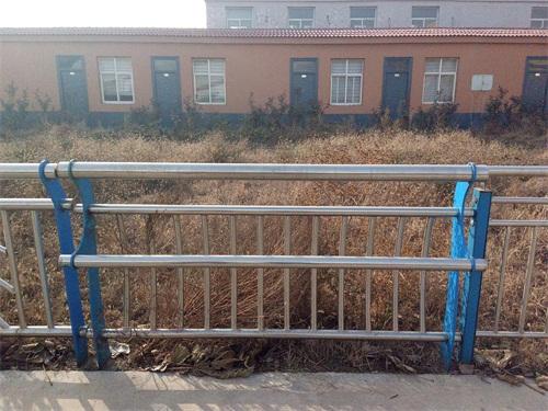 河南桥梁护栏国标尺寸完美售后