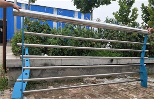 河源不锈钢复合管护栏扶手执行标准