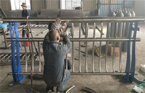 天津桥梁复合管护栏坚固耐用耐腐蚀