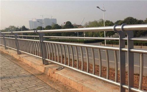 柳州 不锈钢桥梁围栏 价格优惠