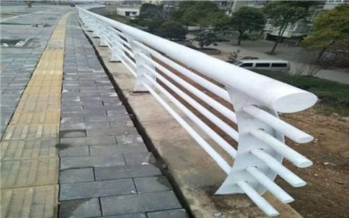 新聞:日照304橋梁不銹鋼立柱精選廠家