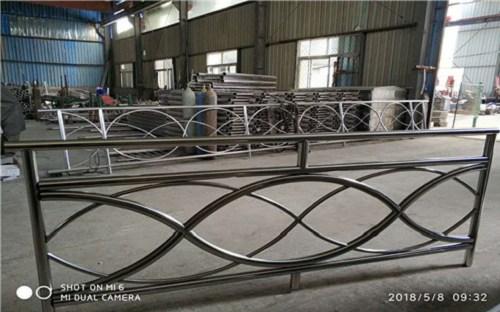 泰安不锈钢复合钢管专业供应