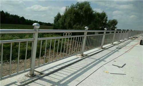 周口304不锈钢复合管桥梁护栏规格齐全