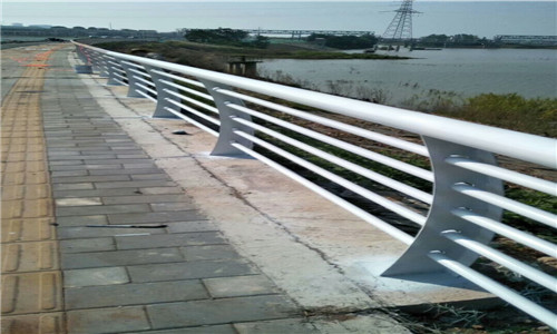 黄冈不锈钢复合管桥梁护栏产品优势