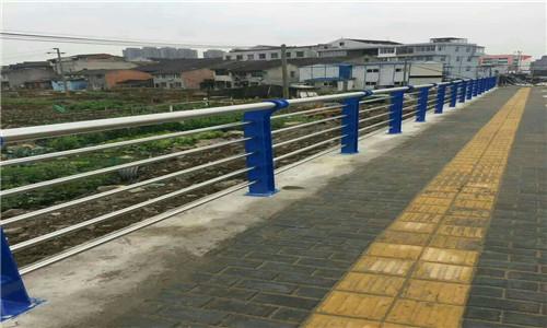文山不銹鋼橋梁防護欄桿立柱選晟杰護欄公司