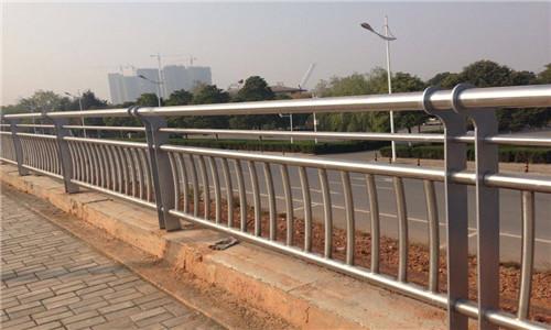 怀化304不锈钢复合管桥梁护栏量大从优