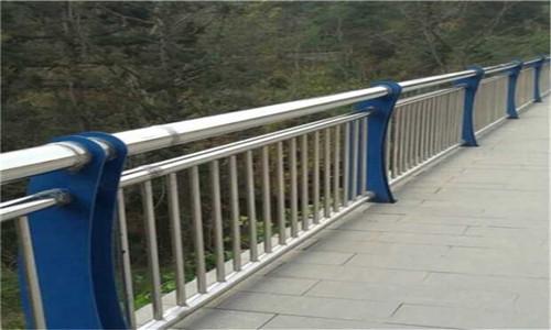 九江不锈钢桥梁防撞栏杆多少钱一米