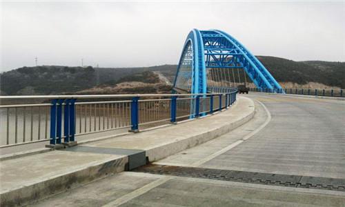 杭州不銹鋼碳素鋼復合管護欄選晟杰護欄廠
