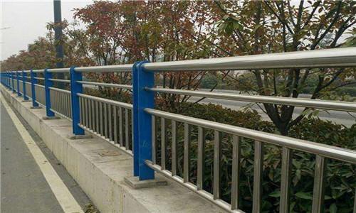 昭通不锈钢复合管灯光护栏厂家