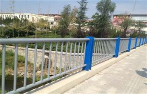 防城桥梁钢护栏哪家诚信