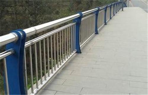 榆中市政桥梁护栏多少钱一米