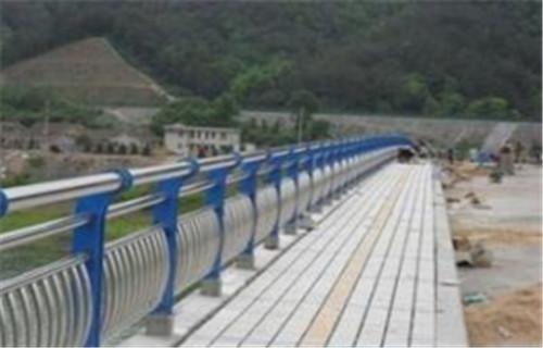 莱城桥梁不锈钢护栏主要分类