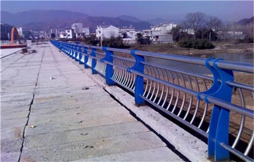 雨湖不锈钢桥梁护栏直销