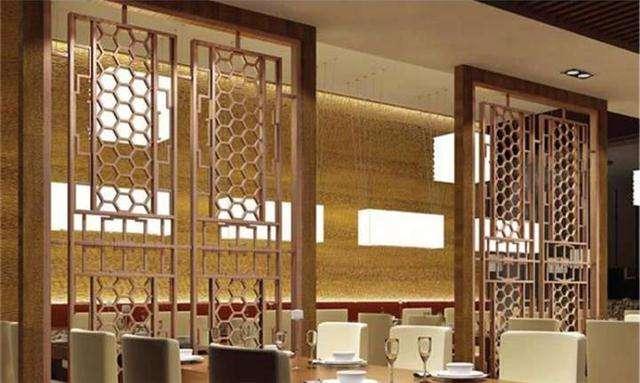 来宾铝窗花材料批发港式铝窗花厂家仿古街专用金属木纹铝窗花定制