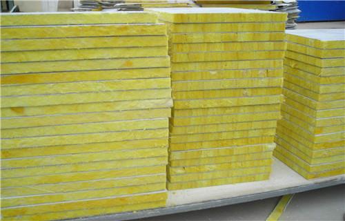 烏海低密度定制巖棉板生產廠家-厚度定制