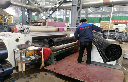 烏魯木齊合作代理蓄排水板蓄排水板厚度,防滲水排水板地下車庫頂板種植